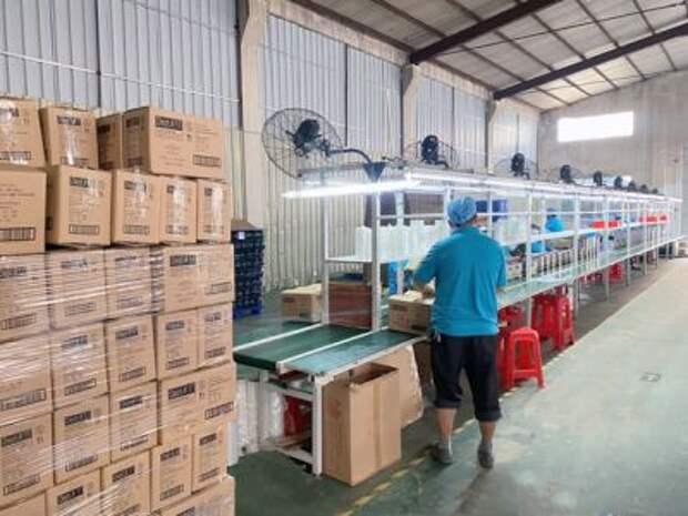 Завод Huizhou Baizhan Glass Co. в Гуандуне, Китай