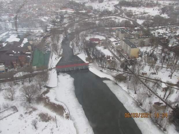 Вертолеты Московского авиацентра приступили к разведке паводковой обстановки в столице