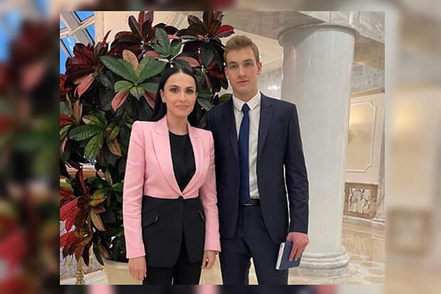 Сын Лукашенко покорил российскую журналистку своей красотой