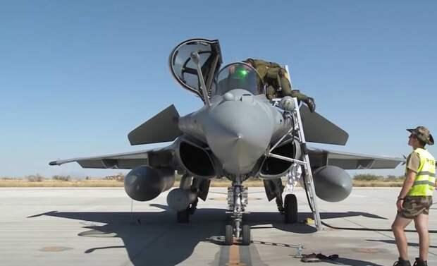 «Не связано с русскими»: Французский генерал пояснил появление военнослужащих ВВС Франции на базе США в Пёрл-Харборе