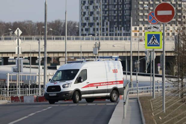 Пара после ссоры упала с балкона с третьего этажа в Петербурге