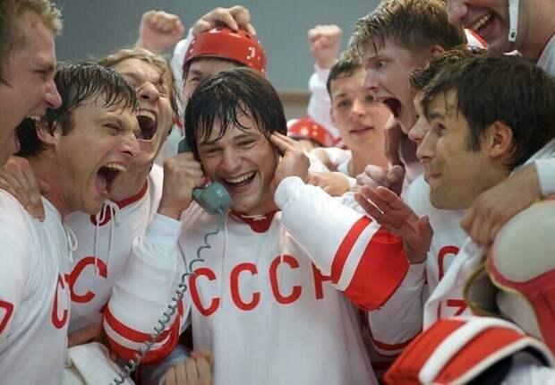 Главные ляпы современных фильмов о жизни в СССР                                     (9фото)