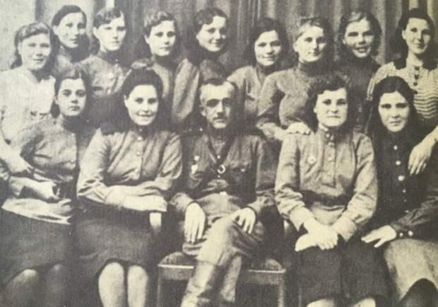 «Главное— неумереть вмужских трусах»: как женщины выживали исправлялись сбытом вовремя войны