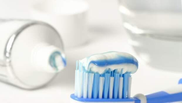Канадский стоматолог назвал идеальную дозу пасты для чистки зубов