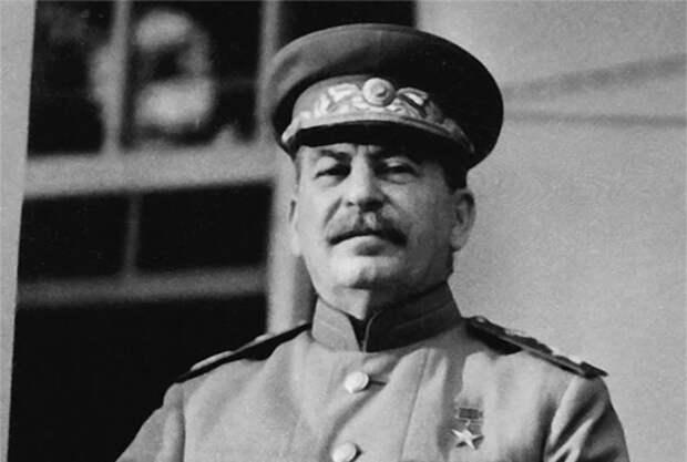 В России хотят построить трёхэтажный Сталин-центр