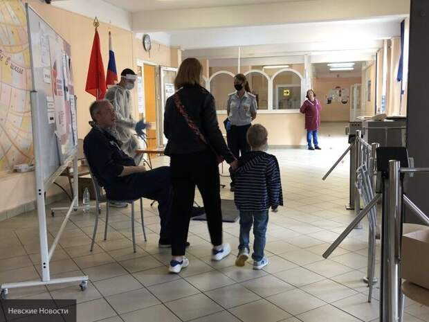 Вброс о попытке мужчины проголосовать за всю семью опровергли в новосибирском облизбиркоме