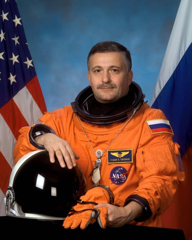 Самого опытного космонавта России исключили из отряда