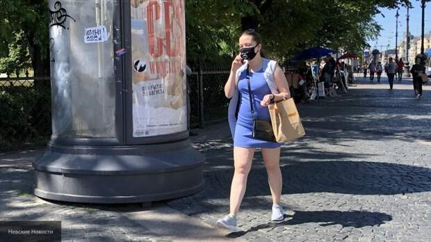 Иммунолог рассказала, где и кому придется носить маски даже жарким летом