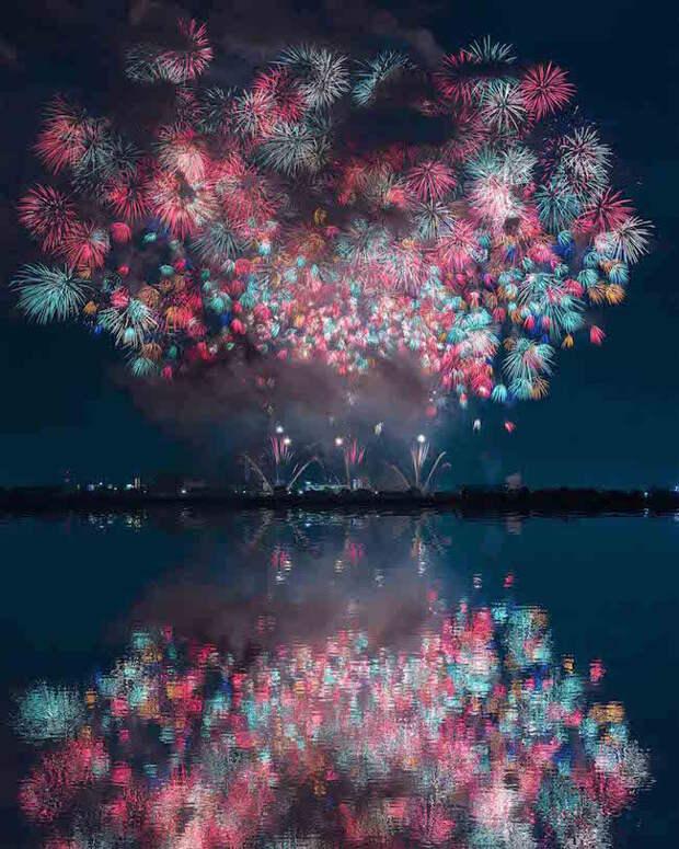 Красочные фестивали фейерверков в Японии