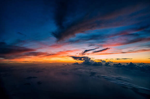 Безумно красивый вид в небе над Филиппинскими островами.