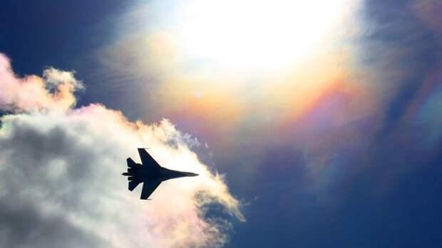 Аналитики Sohu рассказали, как советский Су-27 преподал урок НАТО в Баренцевом море
