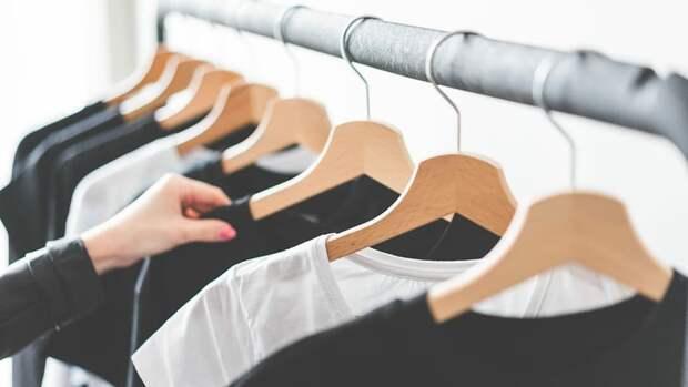 Блогер поделилась простым способом вывести масляные пятна с одежды