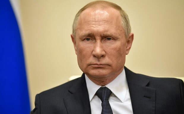 Как бы к Путину ни относились, но в апреле он снова всех спас