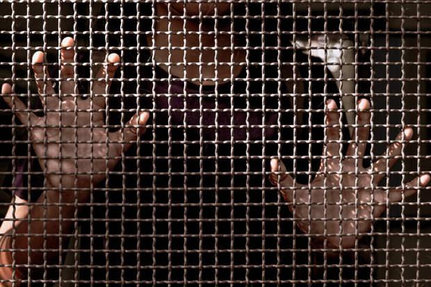 Американка держала в клетке ребенка-аутиста