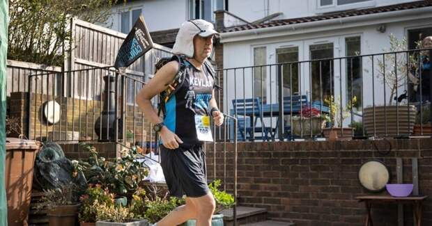 Как британец пробежал ультрамарафон во дворе своего дома