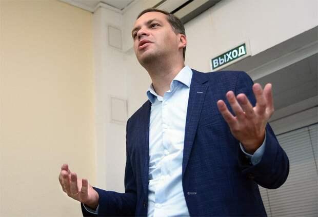 Суд взыскал по 30 тысяч рублей с Навального и Милова по иску Пригожина