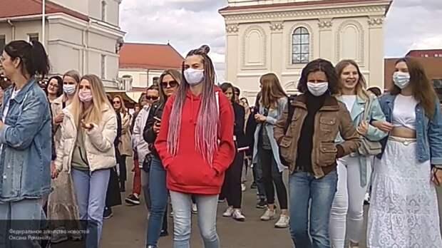 """Участниц """"женского марша"""" в Минске задерживает милиция"""