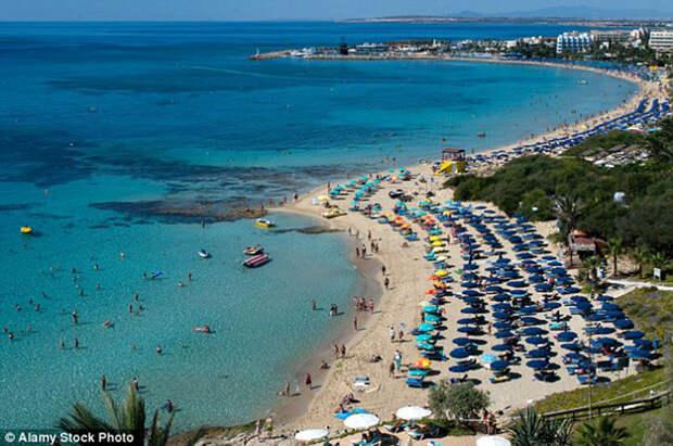 Британские туристы загуляли на Кипре и оказались в Сирии