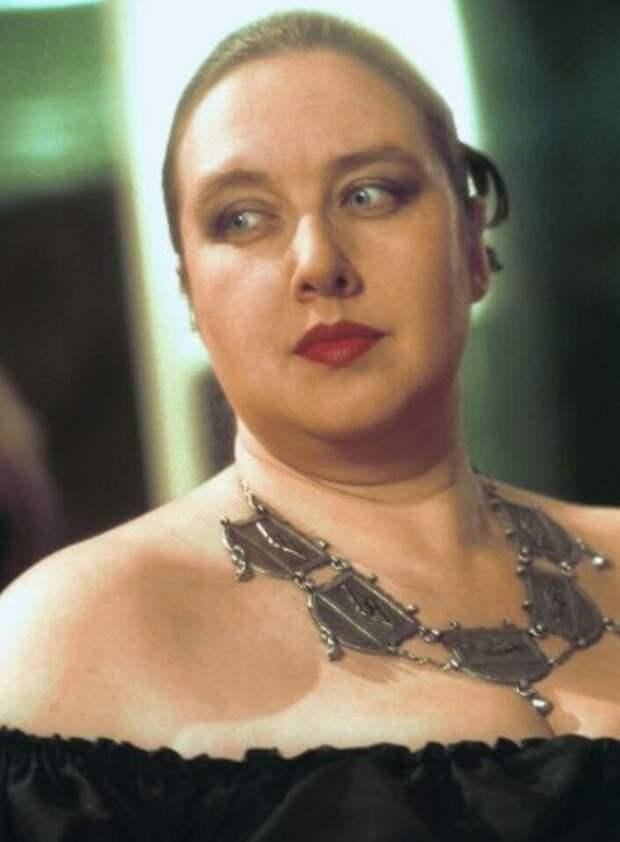 Она озвучила Рабыню Изауру и сыграла жену Лени Голубкова. Как сложилась судьба актрисы Елены Бушуевой