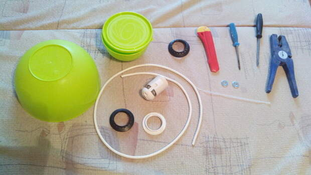 Самодельная бюджетная люстра из пластиковых мисок