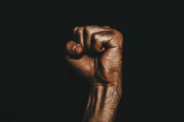 Добро с кулаками: в Ижевске трагически закончилась попытка заступиться за женщину-инвалида