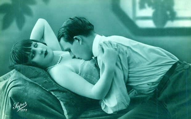 Французские открытки, в которых показано, как романтично целовались в 1920-е годы 24