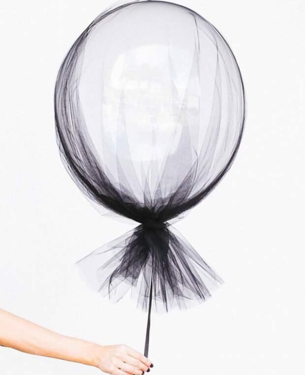 Хеллоуинский воздушный шар в вуали
