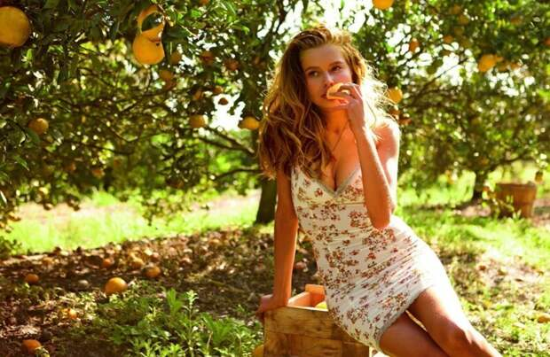 Веселые и позитивные девушки лета для хорошего пятничного настроения