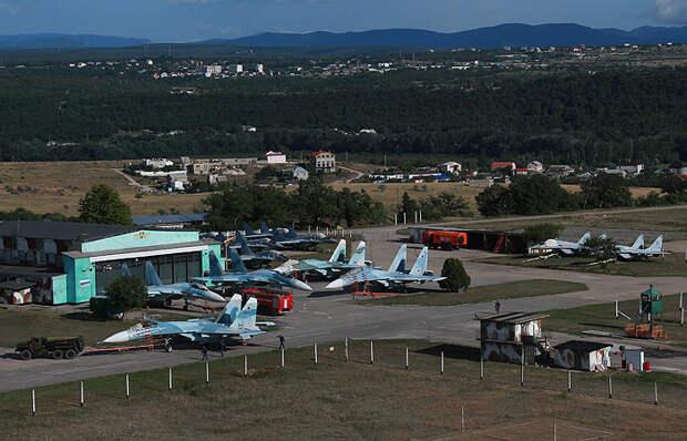 В Крыму реконструированный аэродром Бельбек принял первые истребители