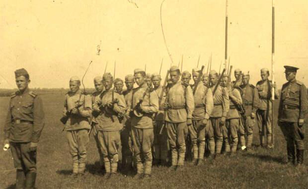 Солдаты Рабоче-крестьянской Красной армии