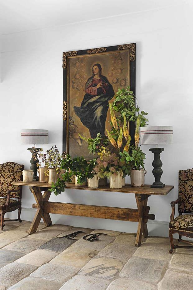 Царство антиквариата и традиций: современная жизнь в старинном доме в Испании