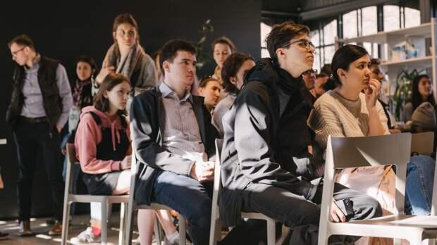Кураторы техникумов и колледжей в Приморье получат специальную выплату