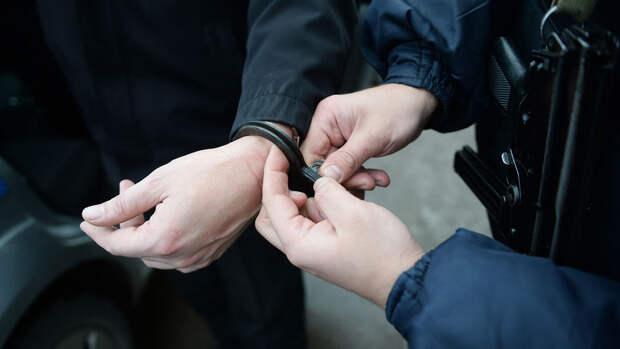 В Петербурге задержали подозреваемого в нападении с ножом на школьницу