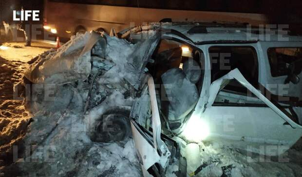 Три человека погибли и восемь получили тяжелые травмы с аварии в Рязанской области