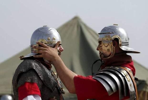 Шлем - важная часть доспеха.|Фото: mirtesen.ru.