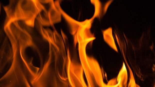 Пожар разгорелся на одном из предприятий в литовском Клайпеде