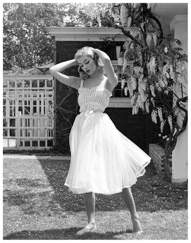 Американская модель и актриса Викки Дуган, 1950-е годы.