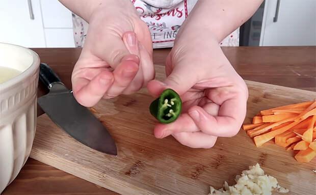 Смешиваем картофель соломкой с морковью: салат и гарнир сразу в одном блюде