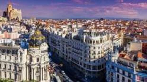 В Испании планируют внедрить паспорта вакцинации