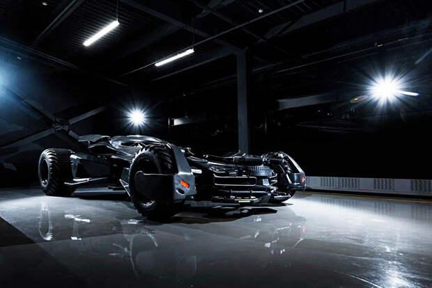 Что умеет Бэтмобиль за 55 млн рублей (ФОТО)