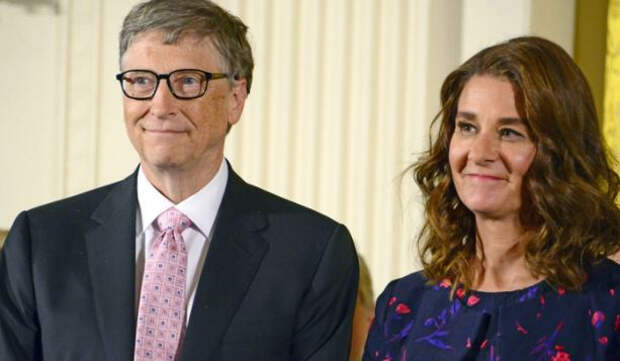 Причиной развода Билла и Мелинды Гейтс могла стать 36-летняя китаянка