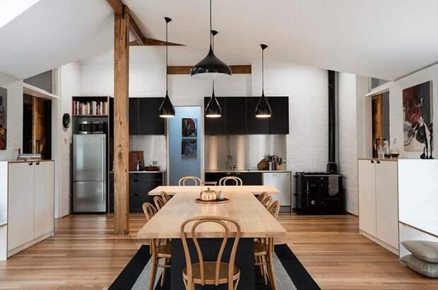 Просто прекрасный вариант декорирования кухни в черных тонах, что понравится и очарует моментально.