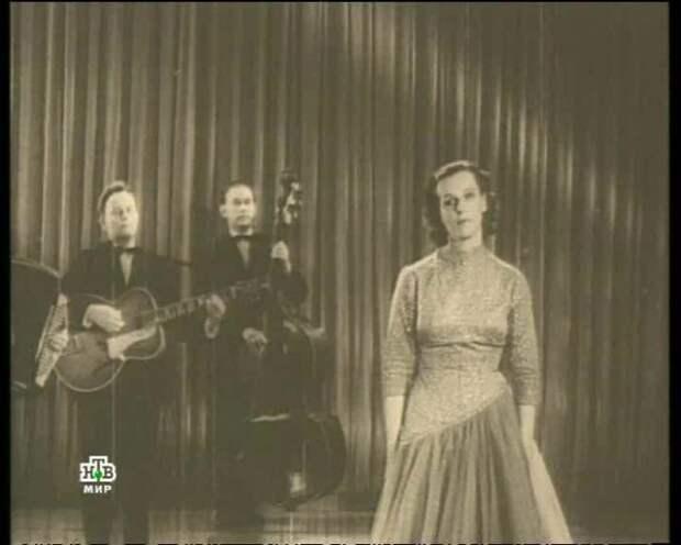 Гелена Великанова на сцене