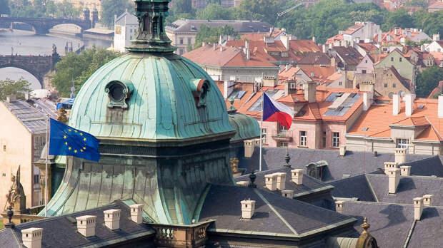Чехия вышлет 63 сотрудника посольства России