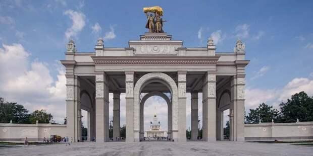 Russpass представил серию новых познавательных роликов о Москве