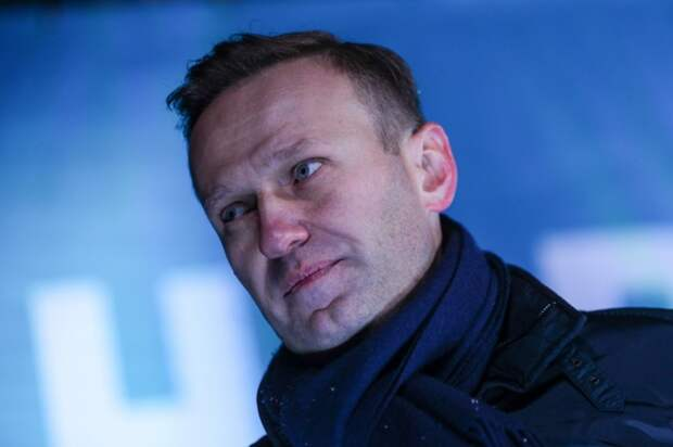 Алексей Навальный заставил оголиться Любу Соболь