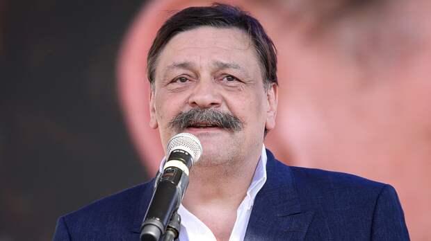 Актер Назаров решил оправдаться за свое стихотворение о параде Победы