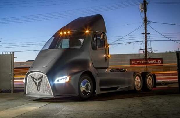 Молотом Тора по Илону Маску: у грузовика Tesla появился конкурент