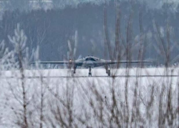 Российский ударный беспилотник-невидимку сфотографировали с разных ракурсов