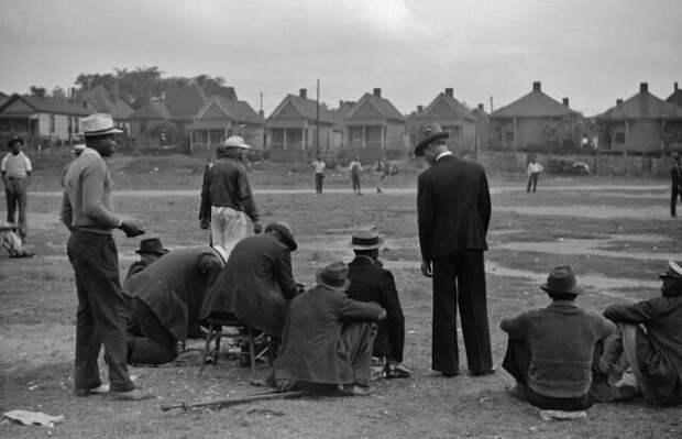 Зрители на бейсбольном матче, Атланта, Джорджия, 1939 год